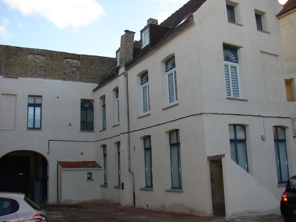 SAINT-OMER  CENTRE , APPARTEMENT DE  (100 m2)**
