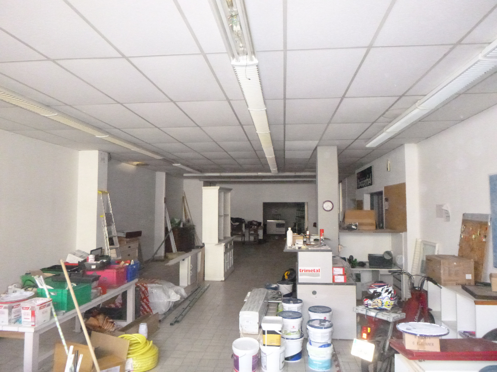 A VENDRE LOCAL COMMERCIAL DE 200 M²
